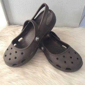 Crocs Brown Mary Janes EUC Womans 9 shoes sandals